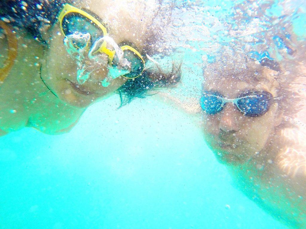 adults underwater breathing